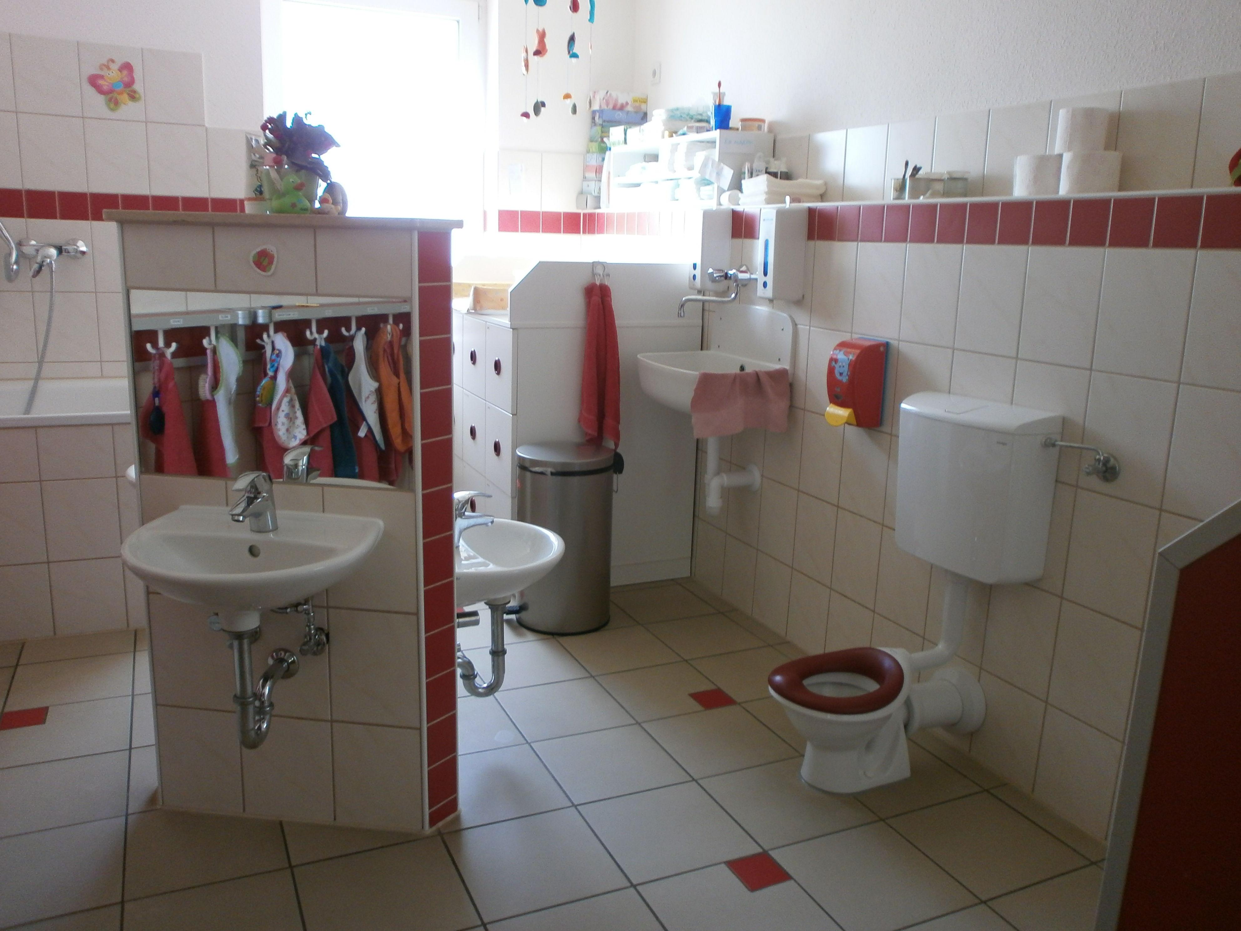 Wasch- und Wickelraum